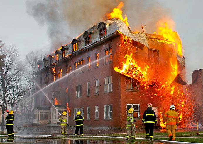 pożar gazy trujące